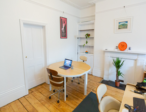 Two desk spaces available in central Brighton image1